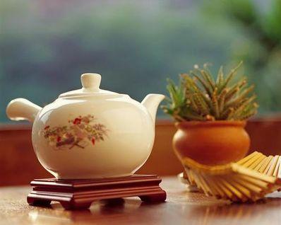 一个人静静喝茶的句子 清闲的午后一个人喝茶的句子